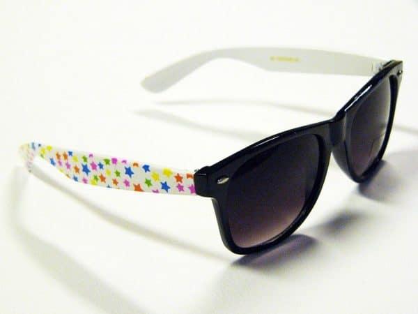 Wayfarer Stars (svart / hvit) - Retro solbrille